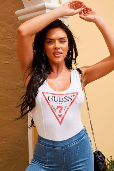 TOP-CON-ESTAMPADO-PARA-DAMA-GUESS