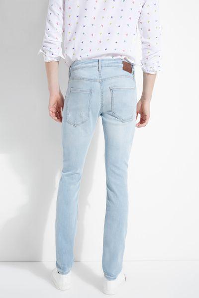 Jeans-basicos-de-mezclilla-para-caballero-GUESS