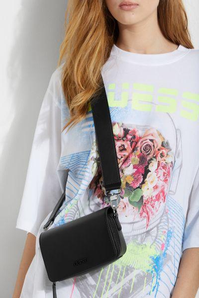 Mini-bolsa-otros-GUESS