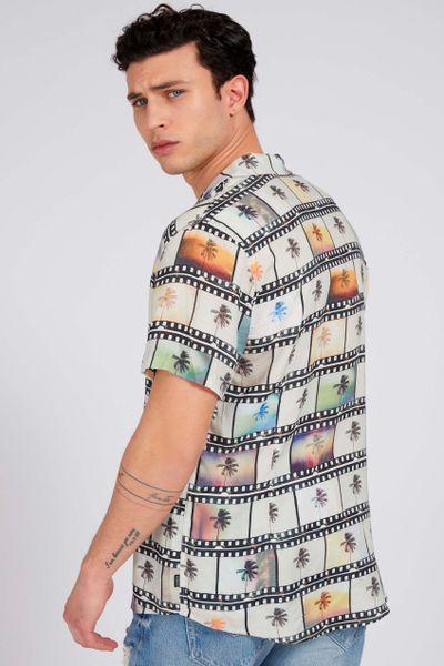 Camisa-con-estampado-GUESS